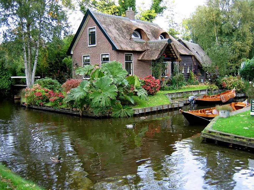 عکس های فوق العاده زیبا از دهکده بدون جاده - ونیز هلند