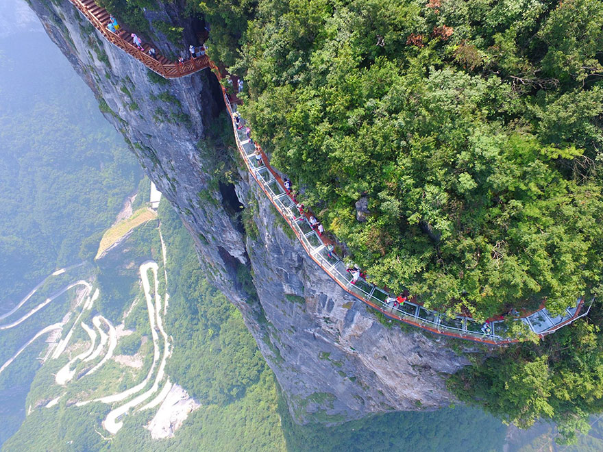 Glass Walkway Tianmen mountain china (7)