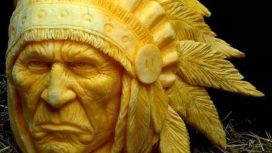 Photo of مجسمه هنری ترسناک با کدوی تنبل