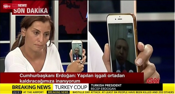 نقش شبکه های اجتماعی در شکست کودتای ترکیه