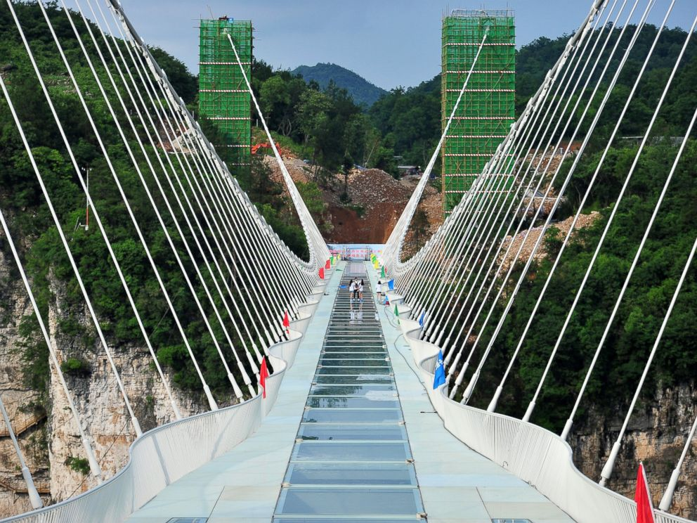 glass bridge china mountain Zhangjiajie (1)