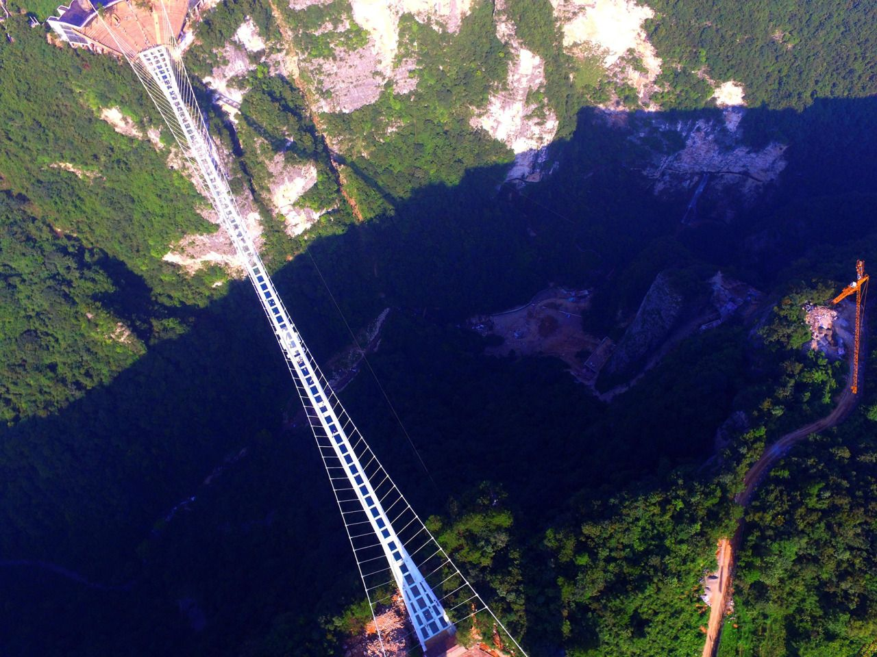 glass bridge china mountain Zhangjiajie (7)