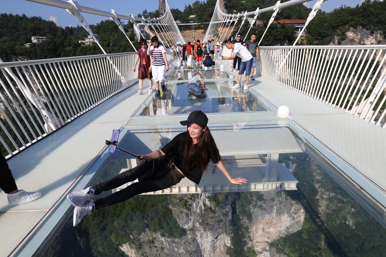 glass bridge china mountain Zhangjiajie (9)