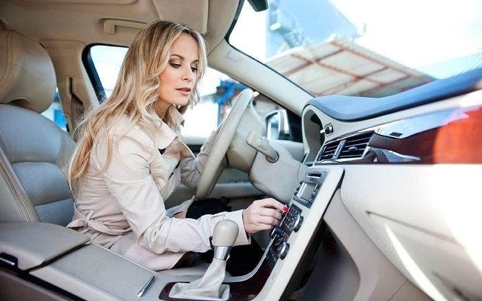 گوش دادن به موسيقى چه تاثيري بر رانندگى ما دارد؟