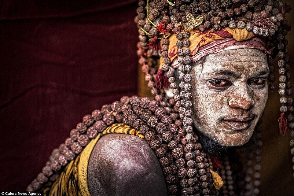 با قبایل آدم خوار در هند و اندونزی آشنا شوید