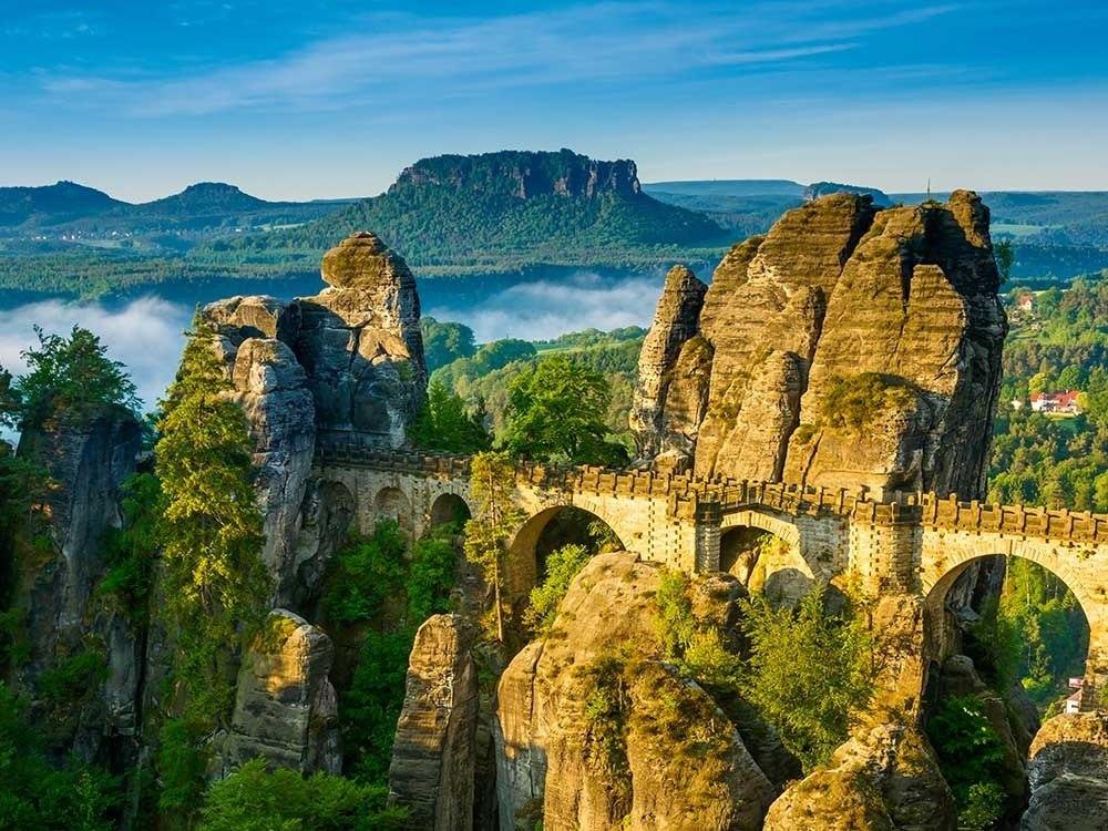 ساکسون سوئیس - سفری در میان صخره های باشکوه