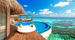 luxury_water_bungalows_maldives-wallpaper